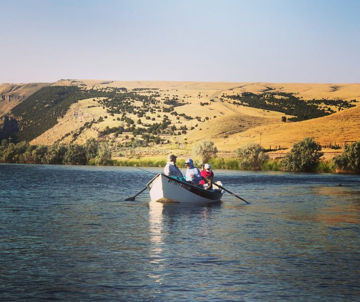 Drift Boat Fishing Bighorn River Wyoming